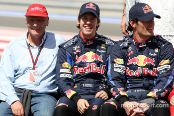 Niki Lauda, 1975, 1977 and 1984 F1 World Champion, Sebastian Vettel, Red Bull Racing, Mark Webber, Red Bull Racing