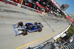 Raphael Matos, de Ferran Luzco Dragon Racing makes a pitstop