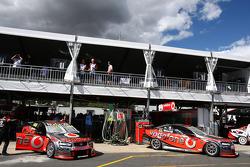 Teams prepare for Sunday's race