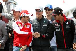 Felipe Massa, Scuderia Ferrari, Michael Schumacher, Mercedes GP Petronas, Lucas di Grassi, Virgin Racing