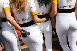 Girls in the pit lane