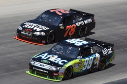 Regan Smith, Furniture Row Racing Chevrolet and Carl Edwards, Roush Fenway Racing Ford