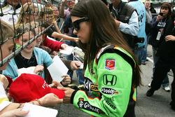 Danica Patrick, Andretti Autosport signs autographs