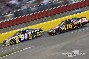 Martin Truex Jr., Michael Waltrip Racing Toyota and Greg Biffle, Roush Fenway Racing Ford