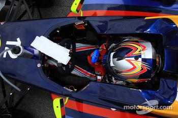 Carlos Sainz Jr.,  Eurointernational
