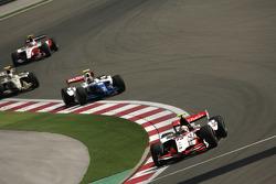 Pastor Maldonado leads Davide Valsecchi, Sergio Perez and Sam Bird