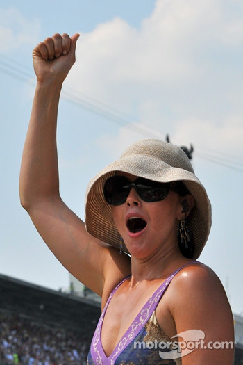 Ashley Judd celebrates her husband's win
