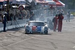 #59 Brumos Racing Porsche Riley: David Donohue, Darren Law trouble in the pits.