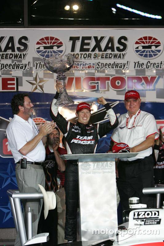 Victory lane: winner Ryan Briscoe, Team Penske celebrates