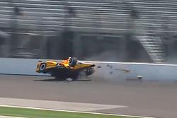 Crash: Spencer Pigot, Rahal Letterman Lanigan Racing Honda