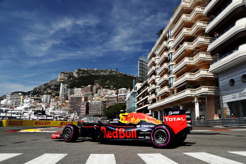 #10: Max Verstappen, Red Bull Racing RB12