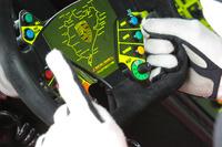 VLN Photos - Porsche-Lenkrad