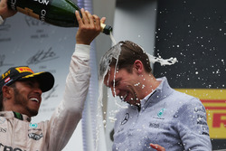 Race winner Lewis Hamilton, Mercedes AMG F1 celebrates on the podium with James Vowles, Mercedes AMG F1 Chief Strategist