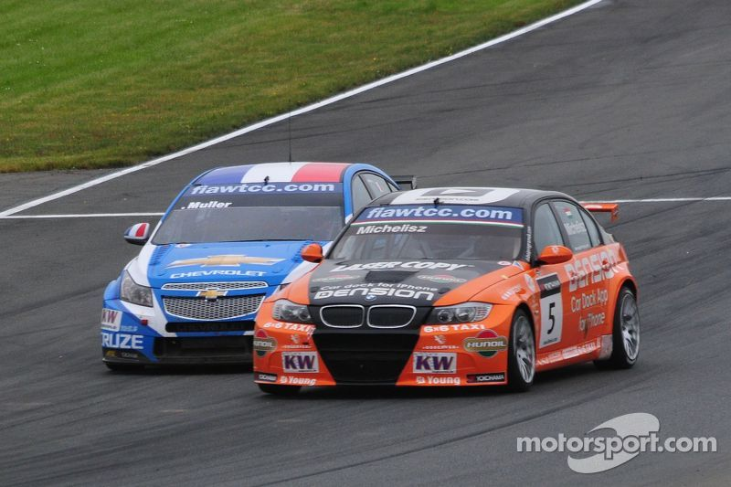 Yvan Muller (#1) and Norbert Michelisz (#5)