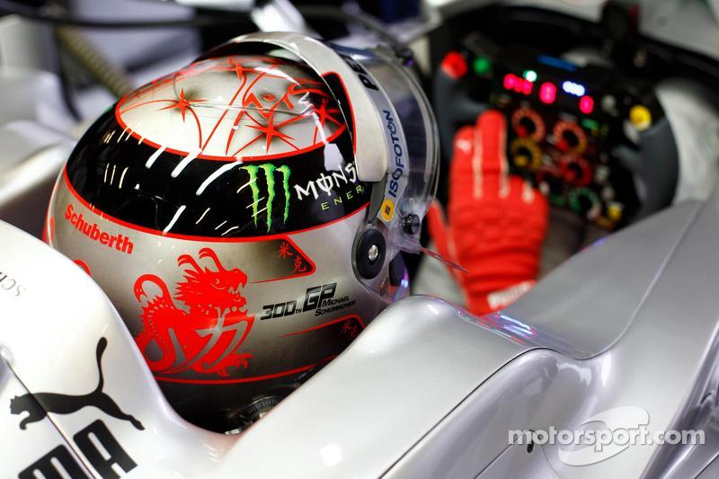 Michaels Schumachers 300th GP Helmet Design