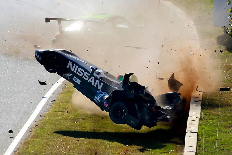 Nasty crash of the DeltaWing, at Road Atlanta