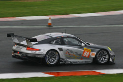 #88 Porsche locking the right front