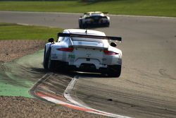 #91 Manthey Porsche 911 RSR - Lietz & Christensen