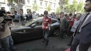 Alonso and Gené, first class ambassadors of the opening of Ferrari's two stores in Madrid