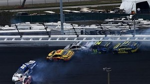 2013 Daytona 500 Bayne spins creates big wreck