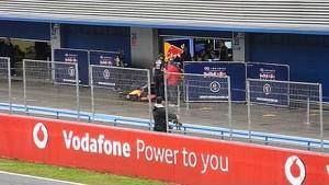 A Ricciardo se le cala el coche al salir - Test Jerez 2014 Red Bull
