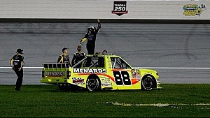 Crafton goes the distance in Kansas
