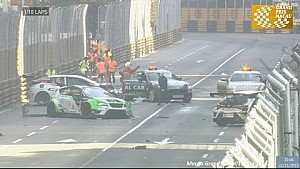 Start crash at Macau TCR race