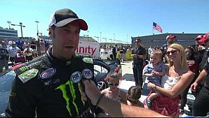Sam Hornish Jr. celebrates with his family in Victory Lane in Iowa