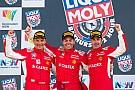 Endurance 12 годин Батхерсту: Ferrari перемагає після аварії ван Гісбергена