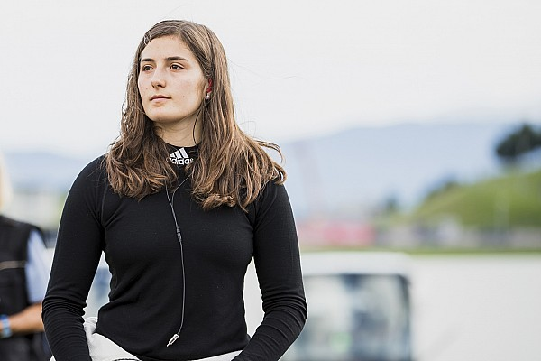 تاتيانا كالديرون سائقة التجارب لساوبر في 2018