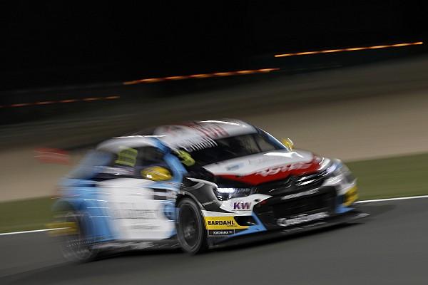 WTCC Katar: Tom Chilton siegt nach hartem Team-Kampf