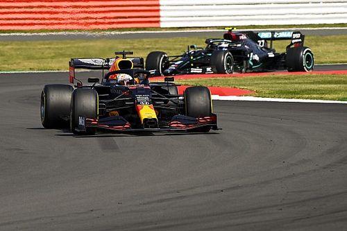 """Bottas diz que Mercedes """"dormiu"""" com estratégia da Red Bull"""