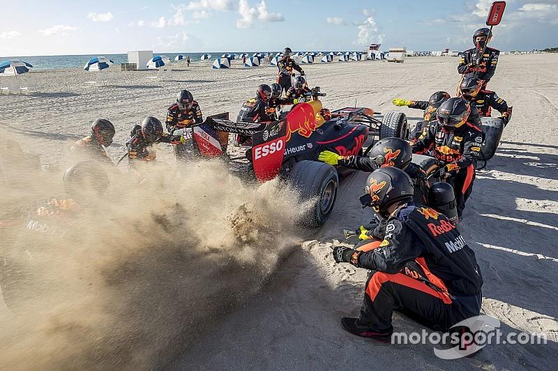 Галерея: неймовірні пригоди Ферстаппена та Red Bull в Америці