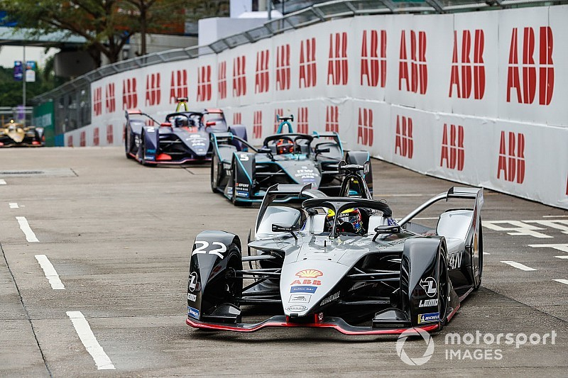 Rowland explains button mishap that ruined his Hong Kong race