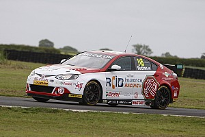 BTCC Race report Croft BTCC: Sutton takes maiden win in wet Race 3