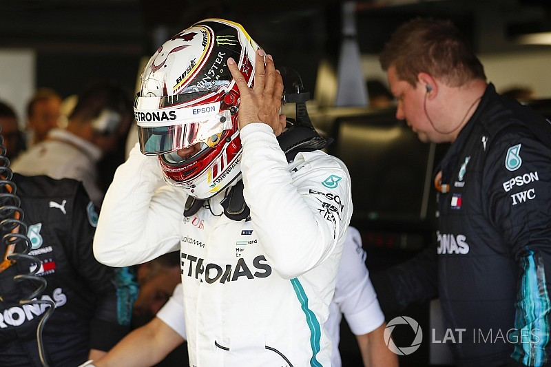 "Hamilton spurred on by ""openly critical"" Mercedes debriefs"