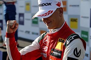 Schumacher: ragyogó esélyem van a címre, de egyszerre csak egy lépés