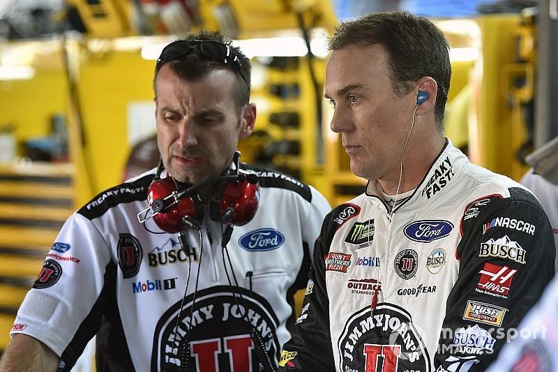 Harvick perde vaga na final da NASCAR por spoiler ilegal