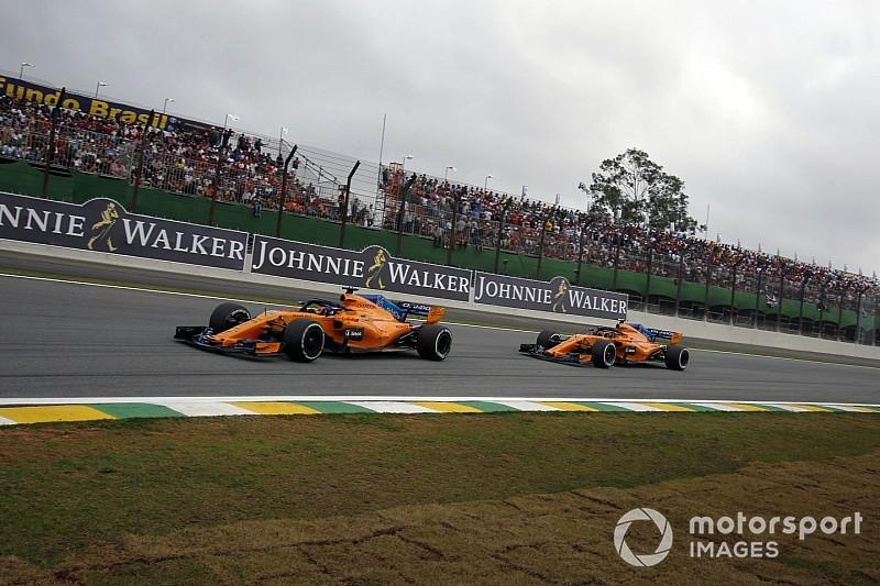 Alonso e Vandoorne penalizzati per aver ignorato le bandiere blu