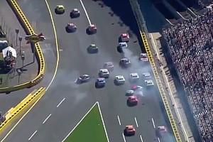 NASCAR Cup Feature Video: Massencrash beim NASCAR-Rennen in Charlotte