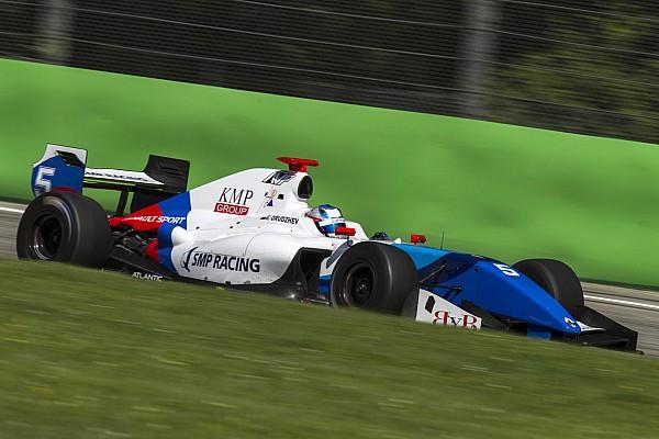 فورمولا  V8 3.5 تقرير التجارب التأهيليّة فورمولا 3.5: أورودزيف يقتنص قطب الانطلاق الأوّل له هذا الموسم في خيريز