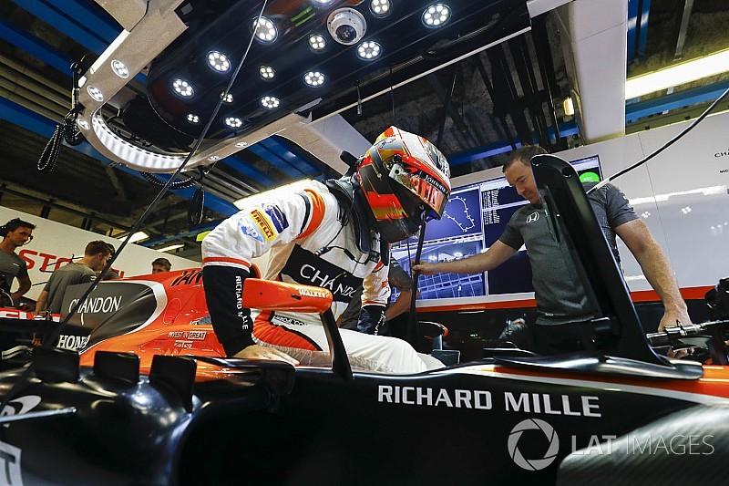 McLaren tentukan mesin 2018 dari performa, bukan finansial