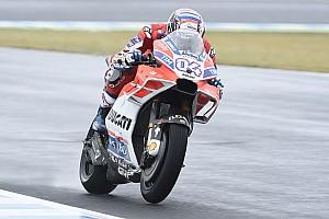 MotoGP Gara Dovizioso non molla: batte Marquez a Motegi e torna a -11!