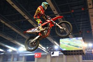 MOTOSİKLET Yarış raporu Ivanov, İstanbul Supercross'ta yıldızlaştı