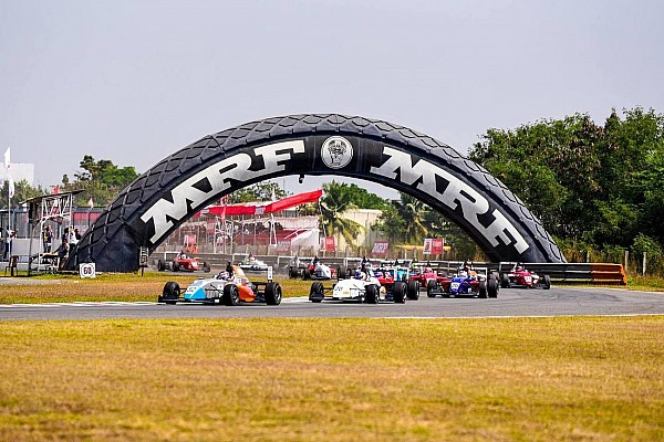 Indian Open Wheel MRF Chennai: Presley bendung serangan van Kalmthout di Race 3