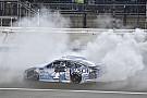 NASCAR Cup Завал перед финишем помог Харвику выиграть в Канзасе