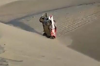 Дакар Новость Самый нелепый момент «Дакара»: Toyota уткнулась в песок