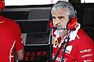 A Ferrari csapatfőnökét elkapták a mosdóba menet...
