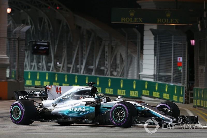 A Mercedes Szingapúrban sem bánja, hogy nagy tengelytávval megy