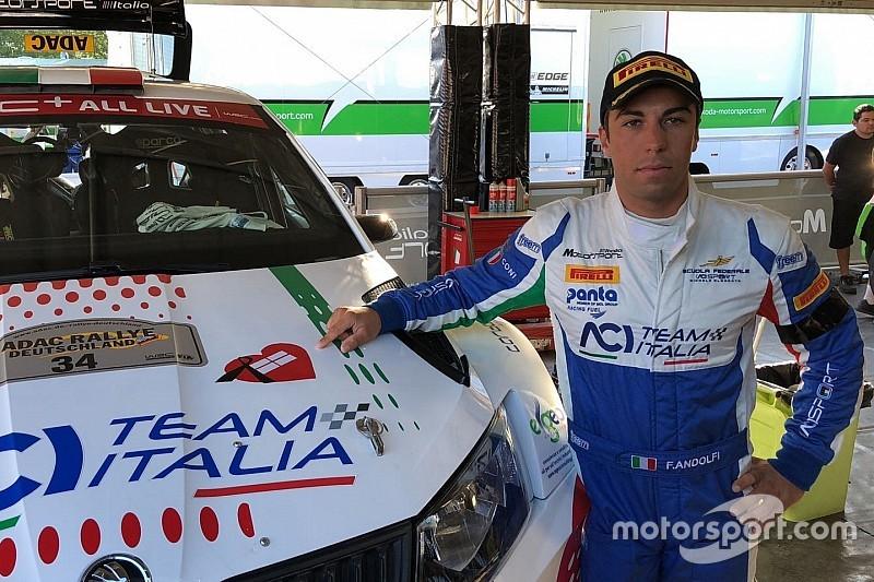 Andolfi sul podio del WRC2 con il lutto al braccio: